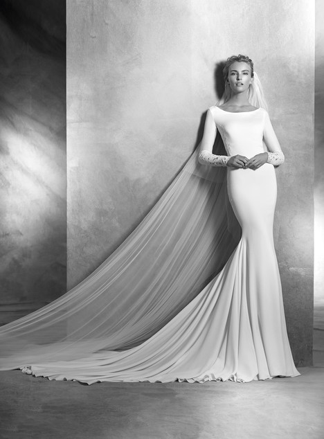 Vania gown from the 2017 Pronovias Atelier collection, as seen on Bride.Canada