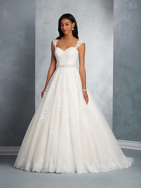 2602 gown from the 2017 Alfred Angelo collection, as seen on Bride.Canada