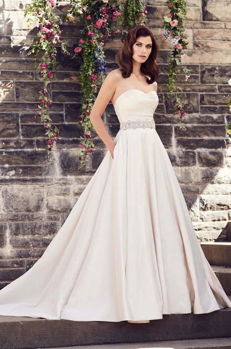 4733 gown from the 2017 Paloma Blanca collection, as seen on Bride.Canada