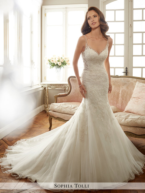Margot (Y11707) gown from the 2017 Sophia Tolli collection, as seen on Bride.Canada