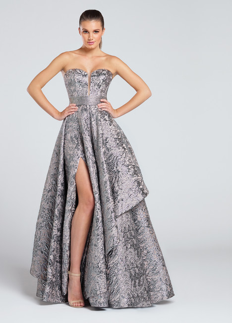 EW117040 (platinum) gown from the 2017 Ellie Wilde collection, as seen on Bride.Canada