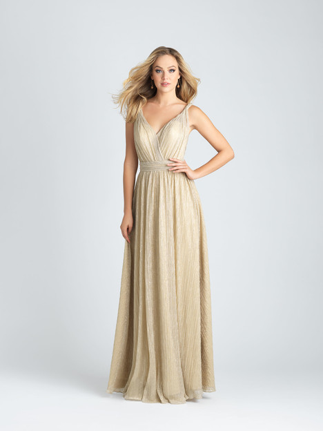 1516 gown from the 2017 Allure Bridesmaids collection, as seen on Bride.Canada