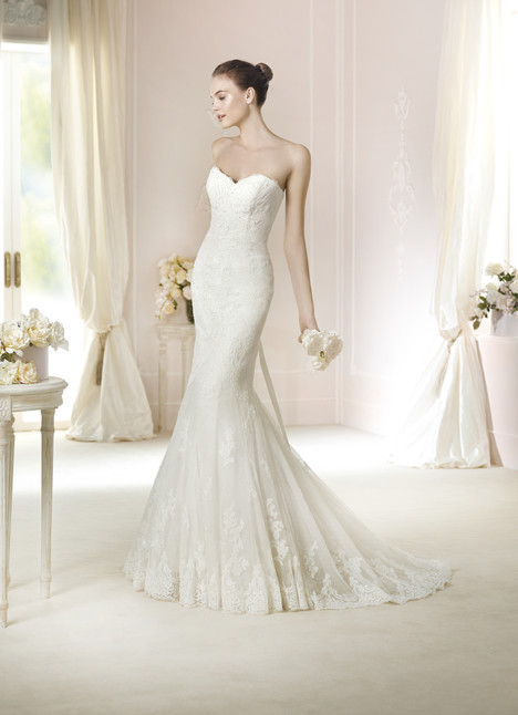 Jackie gown from the 2015 Pronovias collection, as seen on Bride.Canada