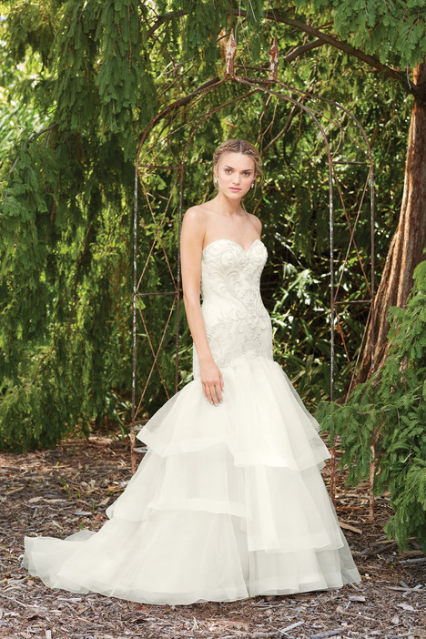 Poppy (2273) gown from the 2017 Casablanca Bridal collection, as seen on Bride.Canada