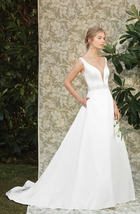 Viola (2285) gown from the 2017 Casablanca Bridal collection, as seen on Bride.Canada