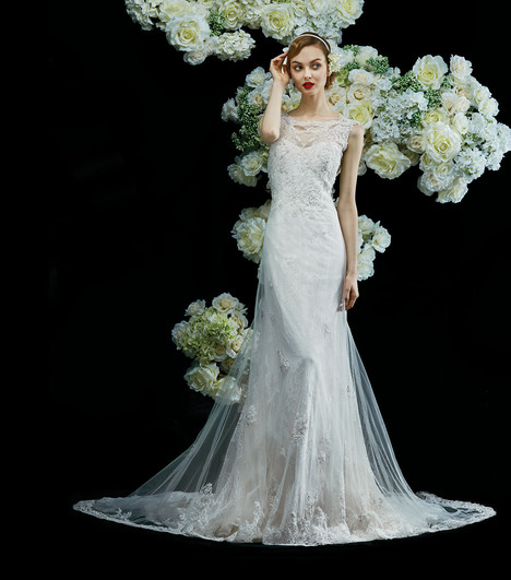 Clover gown from the 2017 Annasul Y collection, as seen on Bride.Canada