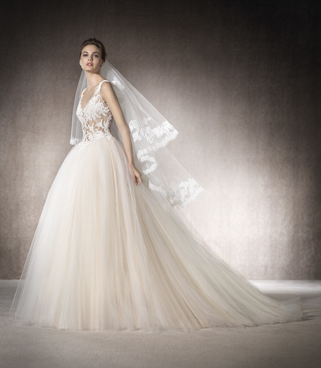 Maga gown from the 2017 St. Patrick collection, as seen on Bride.Canada