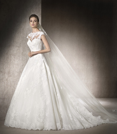 Maimara gown from the 2017 St. Patrick collection, as seen on Bride.Canada