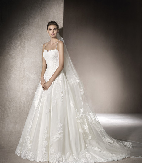 Malen gown from the 2017 St. Patrick collection, as seen on Bride.Canada