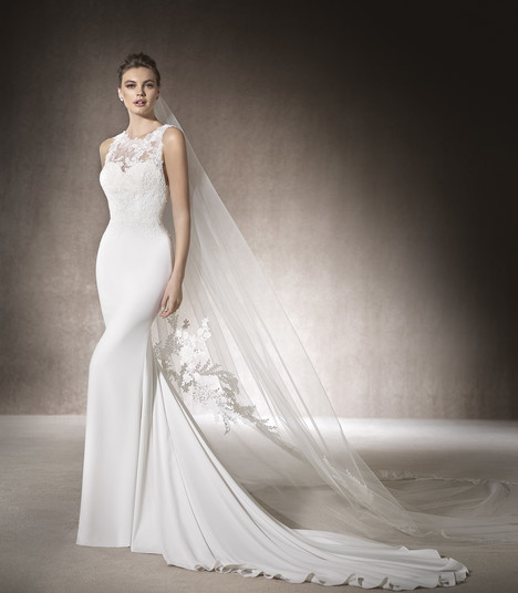 Mariel gown from the 2017 St. Patrick collection, as seen on Bride.Canada