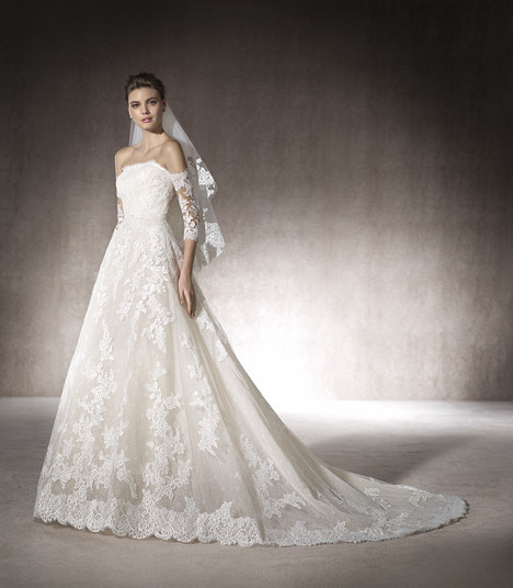 Marite gown from the 2017 St. Patrick collection, as seen on Bride.Canada