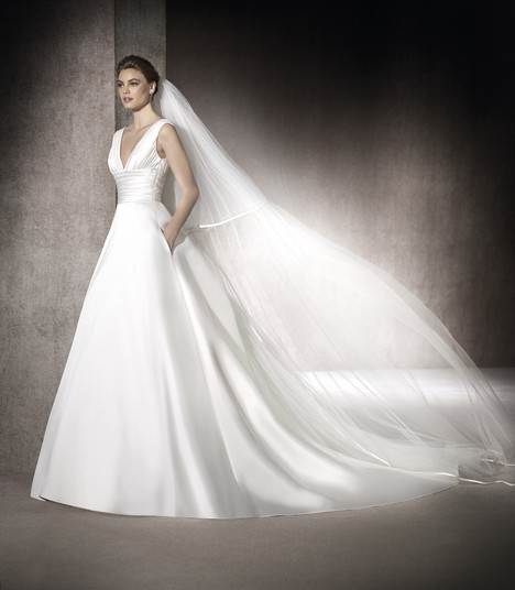Mayo gown from the 2017 St. Patrick collection, as seen on Bride.Canada