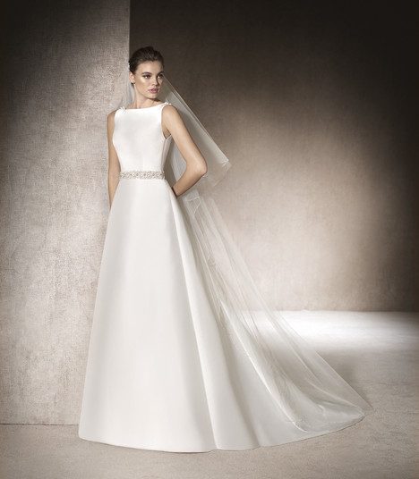 Megan gown from the 2017 St. Patrick collection, as seen on Bride.Canada