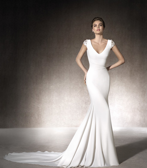 Melia gown from the 2017 St. Patrick collection, as seen on Bride.Canada