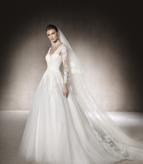 Muth gown from the 2017 St. Patrick collection, as seen on Bride.Canada