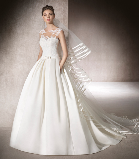 Myrna gown from the 2017 St. Patrick collection, as seen on Bride.Canada