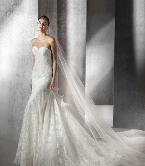 Zulia gown from the 2017 St. Patrick collection, as seen on Bride.Canada