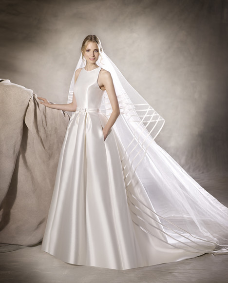 Haidela gown from the 2017 La Sposa collection, as seen on Bride.Canada