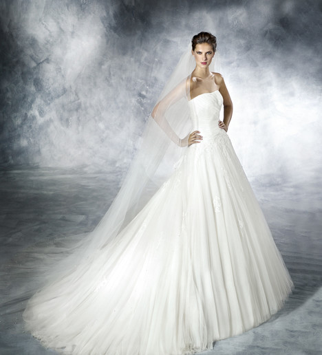 Nigua gown from the 2017 White One collection, as seen on Bride.Canada