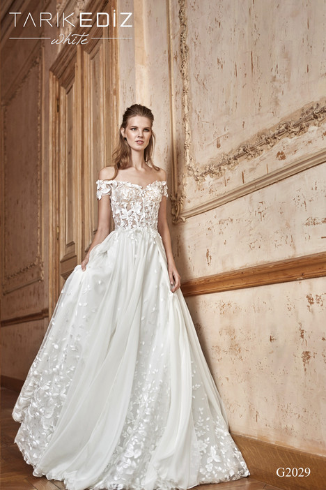 Coruna (G2029) gown from the 2017 Tarik Ediz: White collection, as seen on Bride.Canada