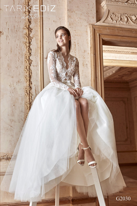 Girona (G2030) gown from the 2017 Tarik Ediz: White collection, as seen on Bride.Canada