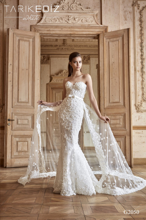 Nice (G2050) gown from the 2017 Tarik Ediz: White collection, as seen on Bride.Canada