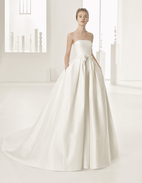 Naroa (11232) (1) gown from the 2017 Rosa Clara Couture collection, as seen on Bride.Canada