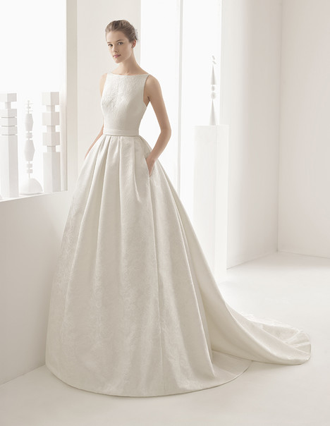 Nazar (11243) gown from the 2017 Rosa Clara Couture collection, as seen on Bride.Canada