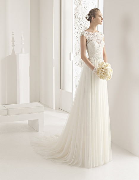 Nazir (11144) gown from the 2017 Rosa Clara Couture collection, as seen on Bride.Canada