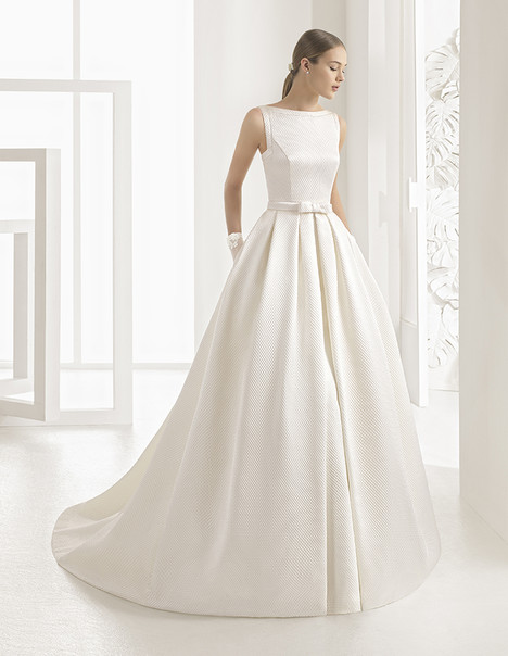 Nel (11254) (1) gown from the 2017 Rosa Clara Couture collection, as seen on Bride.Canada