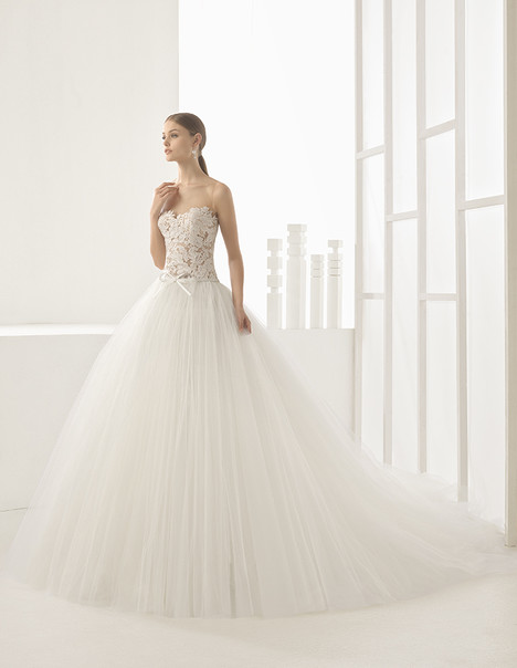 Nieves (11175) gown from the 2017 Rosa Clara Couture collection, as seen on Bride.Canada