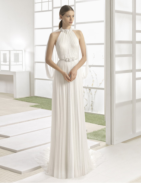 Wagner (1K100) gown from the 2017 Rosa Clara: Soft collection, as seen on Bride.Canada