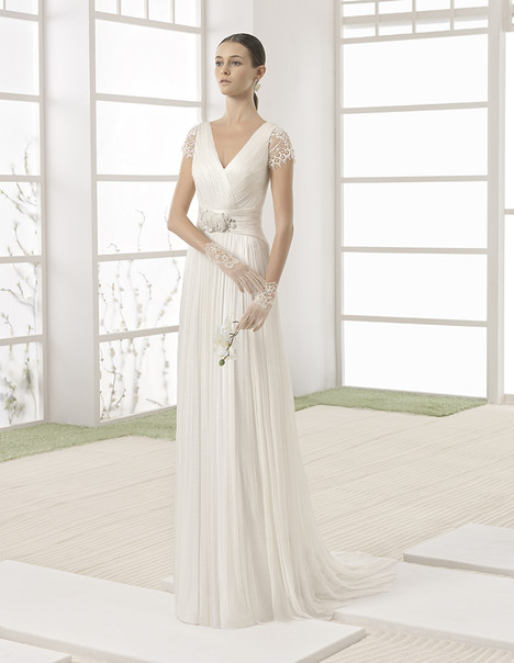 Wally (1K107) gown from the 2017 Rosa Clara: Soft collection, as seen on Bride.Canada