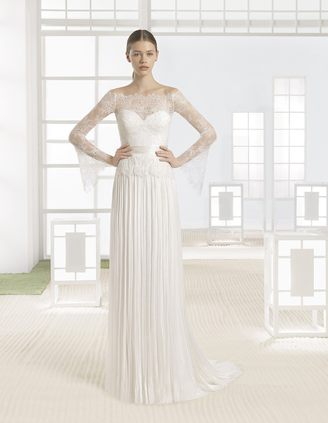 Wania (1K112) gown from the 2017 Rosa Clara: Soft collection, as seen on Bride.Canada