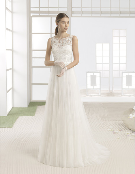 Welling (1K128) gown from the 2017 Rosa Clara: Soft collection, as seen on Bride.Canada