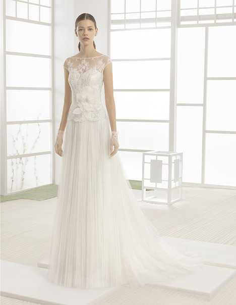 Wenda (1K131) gown from the 2017 Rosa Clara: Soft collection, as seen on Bride.Canada