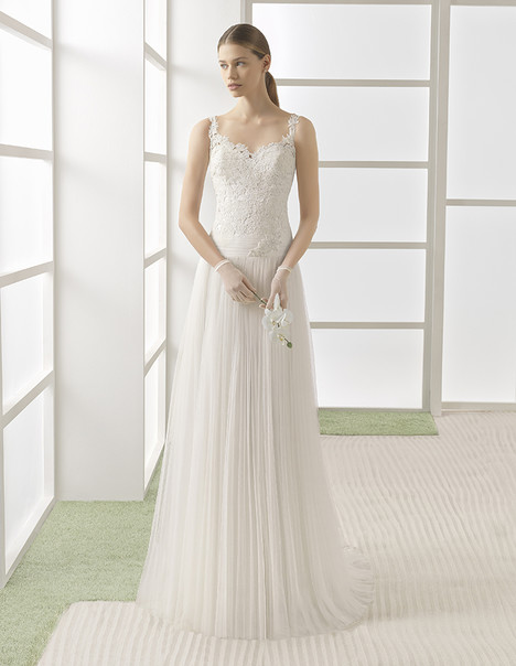 Wendy (1K132) gown from the 2017 Rosa Clara: Soft collection, as seen on Bride.Canada