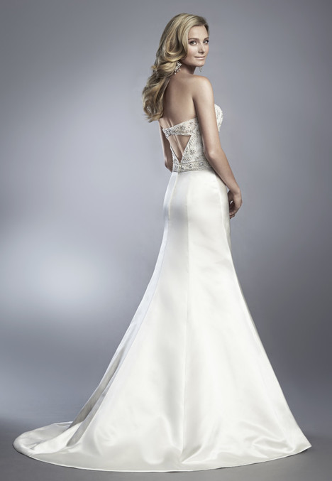 D601 gown from the 2017 Cassidy Sara collection, as seen on Bride.Canada