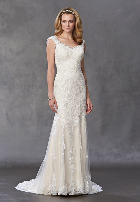 1461 gown from the 2016 Madison Collection collection, as seen on Bride.Canada