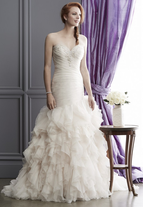 1521 gown from the 2016 Madison Collection collection, as seen on Bride.Canada
