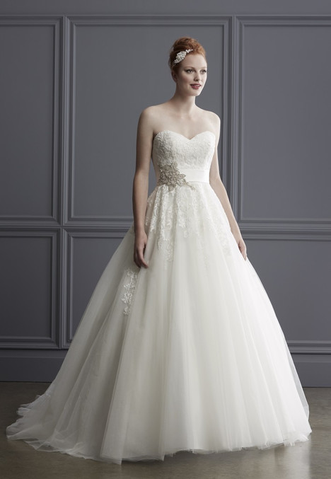 1526 gown from the 2016 Madison Collection collection, as seen on Bride.Canada