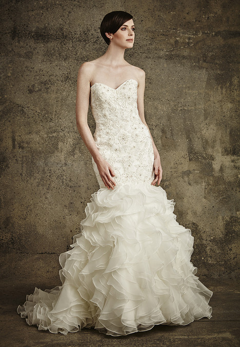 1559 gown from the 2016 Madison Collection collection, as seen on Bride.Canada