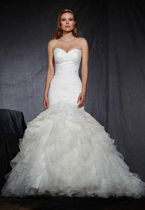 1601 gown from the 2016 Madison Collection collection, as seen on Bride.Canada