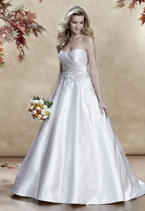 4762 gown from the 2016 Madison Collection collection, as seen on Bride.Canada