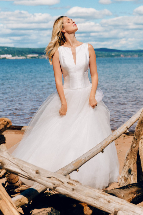 Amore gown from the 2017 Astrid & Mercedes collection, as seen on Bride.Canada