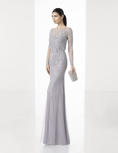 1T129 gown from the 2017 Rosa Clara: Cocktail collection, as seen on Bride.Canada
