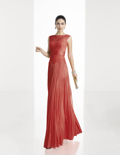 1T143 gown from the 2017 Rosa Clara: Cocktail collection, as seen on Bride.Canada
