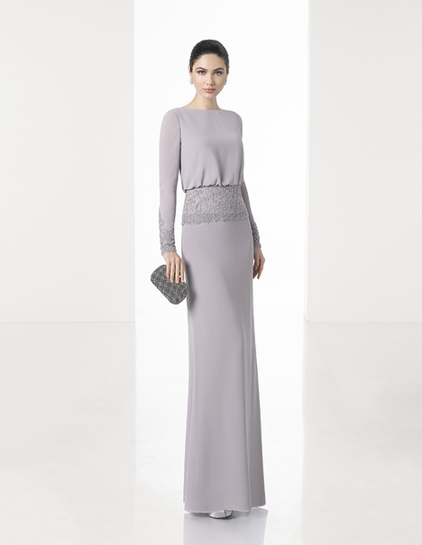 1T162 gown from the 2017 Rosa Clara: Cocktail collection, as seen on Bride.Canada