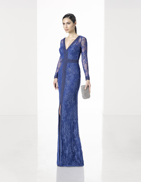 1T176 gown from the 2017 Rosa Clara: Cocktail collection, as seen on Bride.Canada