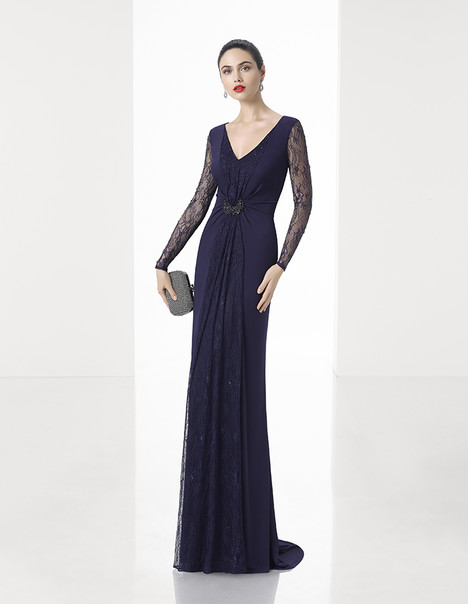 1T189 gown from the 2017 Rosa Clara: Cocktail collection, as seen on Bride.Canada